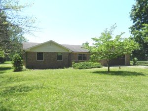 3 BEDROOM, 2 BATH HOME ON 2.15 LAKEFRONT ACRES! @ Brownsburg | Indiana | United States