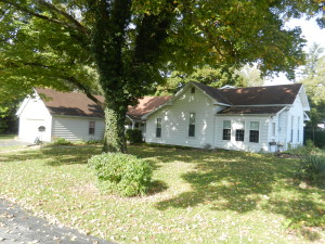 3 BEDROOM HOME ON 1.18 ACRES - 4+ LOTS - CREEK @ Danville | Indiana | United States
