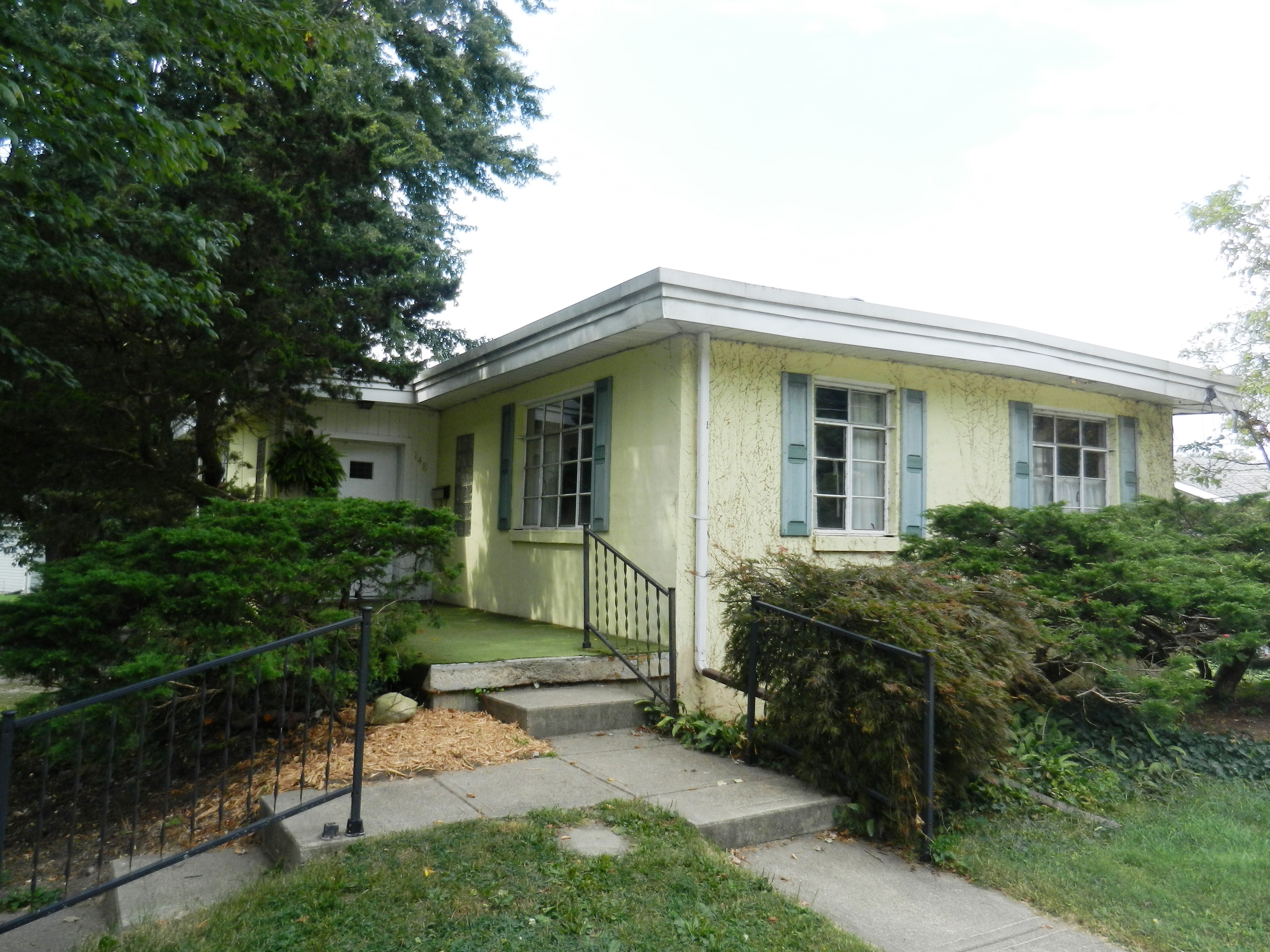GREAT INVESTMENT PROPERTY!  2 BEDROOMS – FULL BASEMENT