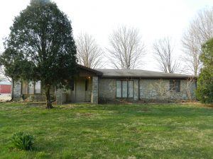 THREE BEDROOM HOUSE & OUTBUILDINGS ON 5.05 ACRES! @ Mooresville | Indiana | United States