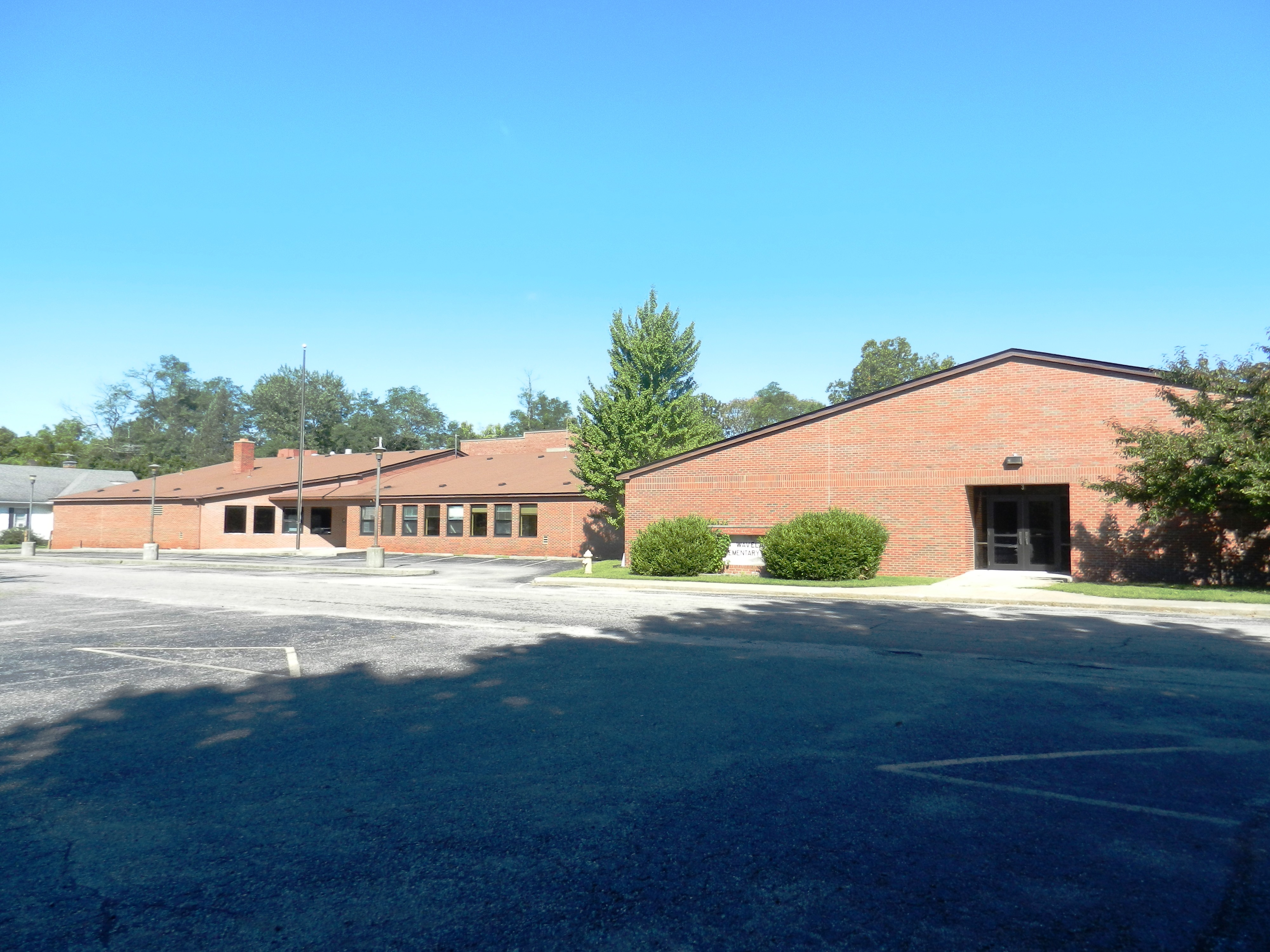 33,000± SQ FT SCHOOL & GYMNASIUM – LOTS OF POTENTIAL USES!