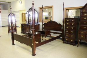 ANTIQUE & HOUSEHOLD FURNITURE - GLASSWARE - COLLECTIBLES - TOOLS @ Lawson Auction Gallery