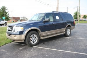 2014 FORD EXPEDITION XLT EL - LINCOLN TOWN CAR - PONTOON BOAT - JOHN DEERE MOWERS - WOODWORKING TOOLS @ Lawson Auction Gallery | Danville | Indiana | United States