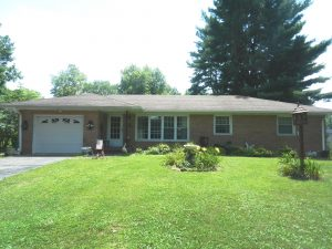 3 BEDROOM RANCH HOME WITH FULL UNFINISHED BASEMENT - 0.55 ACRE LOT @ Stilesville | Indiana | United States