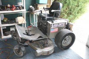 DIXIE CHOPPER ZTR MOWER - AUTOMOTIVE EQUIPMENT - TOOLS @ Lebanon | Indiana | United States