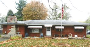 THREE BEDROOM HOME - THREE CAR DETACHED GARAGE - 0.54 ACRE LOT @ Indianapolis | Indiana | United States