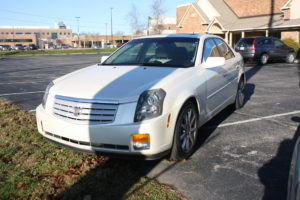 CADILLAC - TOWN CAR - TAURUS - FURNITURE & LOTS MORE! @ Lawson Auction Gallery   Danville   Indiana   United States