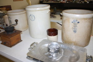 LARGE COLLECTION OF NICE PRIMITIVES & COLLECTIBLES @ Lawson Auction Gallery | Danville | Indiana | United States