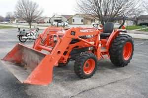 FORD TAURUS - KUBOTA TRACTOR & ZTR MOWER - GOLF CART - GLASSWARE - POTTERY & MUCH MORE!! @ Lawson Auction Gallery | Danville | Indiana | United States