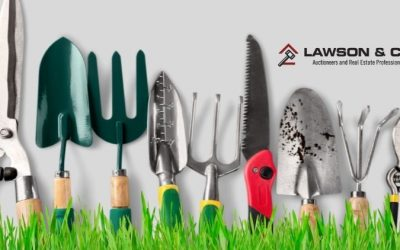 Dig Up Garden Tools at an Auction